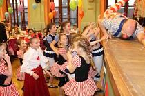 Bujaré veselí panovalo v pondělí v Bruntále při oslavě Stonožek.
