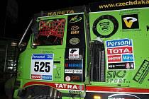 Bruntálští kamionisté z Czech Dakar Teamu (CDT) drží po první etapě Rallye Dakar 2011 šestou a sedmačtyřicátou pozici.