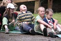 Na táboře Klubíčka si každoročně ve Žďárském Potoku užijí své děti i jejich zdravotně hendikepovaní kamarádi.