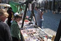 Tradiční jarmark na krnovském Hlavním náměstí. Ilustrační foto.