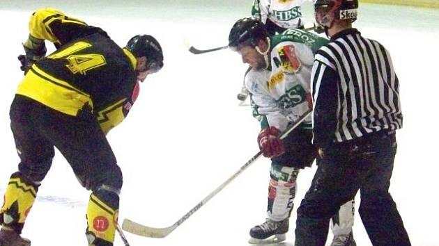 Porážkou 4:6 na vlastním ledě od Rožnova pod Radhoštěm ukončili hokejisté Horního Benešova definitivně letošní sezonu.