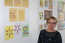 Putovní výstava ilustrací Jiřího Fixla se přesunuje z vrbenské Střechy do Krnova, potvrdila ředitelka Hana Janků.