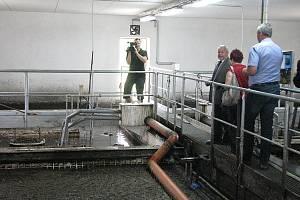 Veškerou odpadní vodu z domácností v Břidličné nyní čistí modernizovaná a v pátek 18. června oficiálně otevřená čistička odpadních vod.