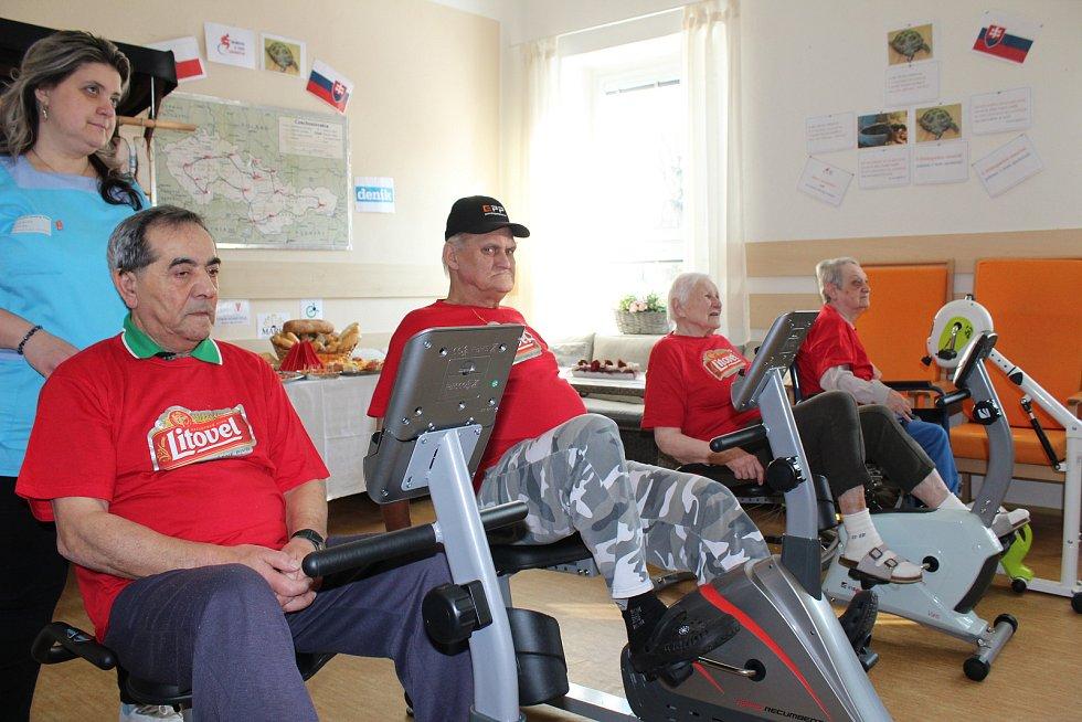 Ve Vrbně pod Pradědem ve čtvrtek 1. března odstartoval třetí ročník rotopedové soutěže mezi domovy seniorů.