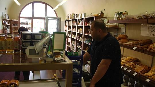 Rudolf Feilhauer v Krnově provozuje Krámek u radnice.