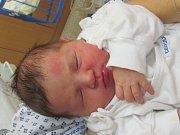 Jmenuji se KAROLÍNA BURIÁNOVÁ, narodila jsem se 6. Listopadu 2018, při narození jsem vážila 3610 gramů a měřila 49 centimetrů.