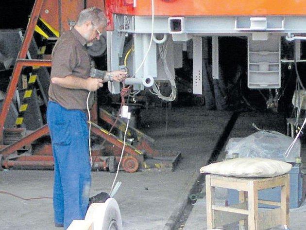 Krnovské opravny a strojírny opravují vagony a tramvaje už 145 let. V sobotu 17. června chystají den otevřených dveří.