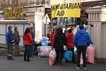 Charita Krnov vypravila společně s dalšími partnery dva kamiony s humanitární pomocí pro Ukrajinu. Do cíle ve Slavjansku by měly dorazit v sobotu.