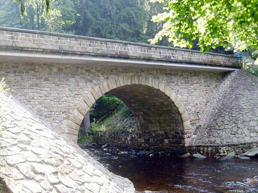 Kamenný most Zemská brána, Orlické Hory.