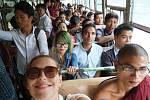 Michaela Bugrisová z Krnova cestuje už půl roku po Asii. Stýká se s místními lidmi, ochutnává domácí speciality. Zážitků má celou řadu a dělí se o ně se čtenáři Deníku. V Barmě jí lidé pomohli zorientovat se v městské hromadné dopravě.
