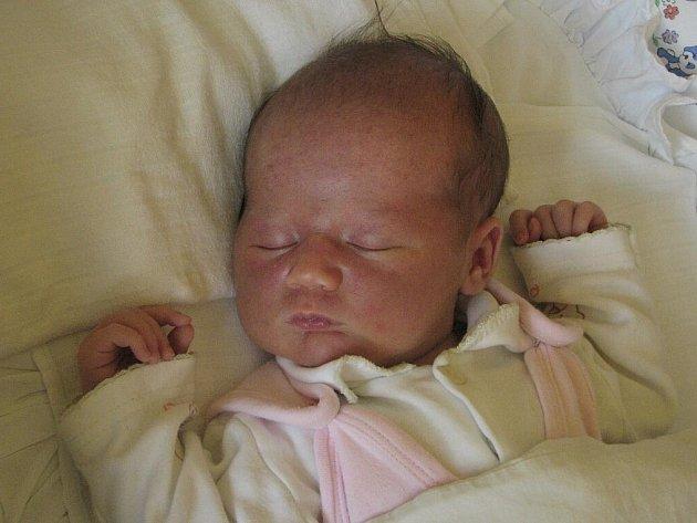 Kateřina Metelková, narozena 7.6.2010, váha 3,54kg, míra 50cm, Rýmařov. Maminka Pavla Metelková, tatínek Michal Metelka.