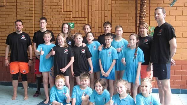 Mladí krnovští vodní záchranáři patří v republice k těm nejlepším. Na šampionátu v Sokolově posbírali dvě stříbra, bronz a druhé místo ze soutěže družtev.