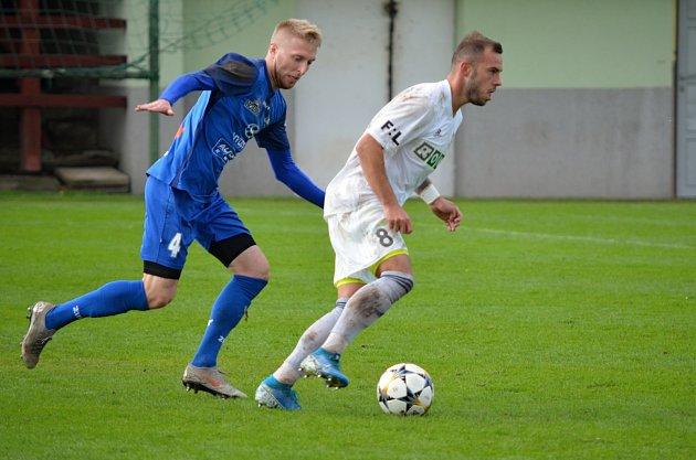 Fotbalisté Rýmařova vzápase skarvinským rezervním týmem.