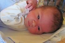 Jmenuji se ONDŘEJ FŇUKAL, narodil jsem se 20. Červena 2016, při narození jsem vážil 3250 gramů a měřil 47 centimetrů. Moje maminka se jmenuje Lenka Černotová a můj tatínek se jmenuje Zdeněk Fňukal. Bydlíme ve Vrbně pod Pradědem.