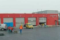 Středisko hasičské a záchranné služby Město Albrechtice vybudovala krnovská stavební firma Aleš Fousek.