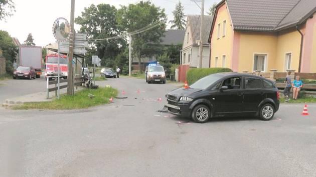 Nehoda, při níž byli těžce zraněni dva lidé.