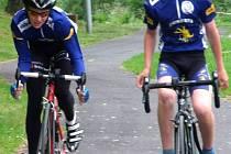 """Mladí cyklisté si seriál závodů """"Vrbenský dráček"""" velice oblíbili, na trati se vždycky vydali ze všech sil."""