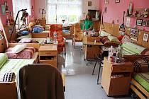 Devětsil je domov seniorů, který sídlí v zastaralé budově na Ježníku, která ani nepatří městu.