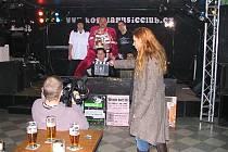 Natáčení pořadu v krnovském Kofola music klubu.