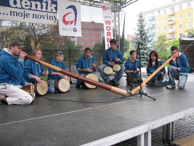 Dětský domov v Lichnově se představil také na krnovském náměstí v rámci Dne s Deníkem.