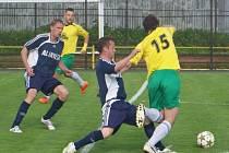 Středeční dohrávka, derby mezi Rýmařovem a Břidličnou,dala definitivní razítko na postup Jiskry do divize. Rýmařovští si s hosty poradili s přehledem 4:0.