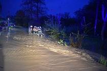 Přívalové lijáky způsobily ve čtvrtek večer pozdě večer na Opavsku v okolí Jakartovic povodeň a obrovskou erozi ornice.