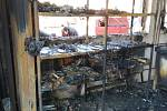 Zásah hasičů u požáru dílny ve Vrbně pod Pradědem.
