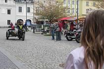 První máj v Bruntále prožili lidé na zaplněném náměstí Míru. Sjeli se sem motorkáři.