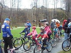 Vrbenský cyklistický oddíl ACS DRAK Vrbno se snaží vychovávat úspěšné cyklisty. K tomu však vede dlouhá a klikatá cesta, stovky hodin práce s mládeží. Vrbenským se to ale velice daří.