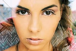 Modelka Aneta Grabcová na jednom ze snímků, které nafotil Josef  Polášek v Bruntále.