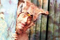 Zlomyslný kocourek je hrdinou pohádkového příběhu Zahrada, který uvede v neděli 22. února bruntálské divadlo.