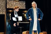 Rýmařovský soubor Pradivadlo se rozloučí na derniéře s muzikálem Song pro dva aneb Každý má svého Leona. Diváci se mohou přijít zaposlouchat a podívat v pátek 12. března do Městského divadla v Rýmařově.
