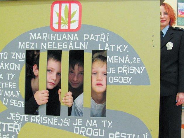 Děti se dozvěděly jaká rizika našince čekají při konzumaci alkoholu, drog nebo cigaret.