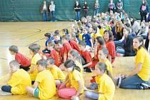 Děti si Netradiční olympijské hry školních družin na Základní škole Janáčkovo náměstí Krnov užily.