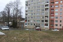 Pod dohledem mají mít maminky a tatínkové své děti na sídlišti Jesenická v Břidličné, přímo před jejich domy vznikne nové hřiště.