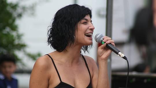 Zpěvačka Marta Balážová z Bruntálu.