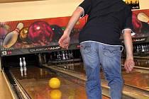 V amatérské bowlingové lize se kromě prestiže hraje také o různé ceny a poháry. Hlavní výhrou je však sto padesát ticís korun českých, které získá pouze nejlepší družstvo