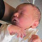 Jmenuji se HONZÍK KILHOF, narodil jsem se 18. května 2017, při narození jsem vážil 3630 gramů a měřil 50 centimetrů. Mojí rodiče se jmenují Kateřina a Jan Kilhofovi, doma se na mě těší sestřička Lenička. Bydlíme v Krnově.
