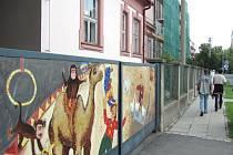 Zahrada s cirkusovými atrakcemi u mateřské školky na Gorkého ulici v Krnově tentokrát zůstává pro veřejnost uzavřená.