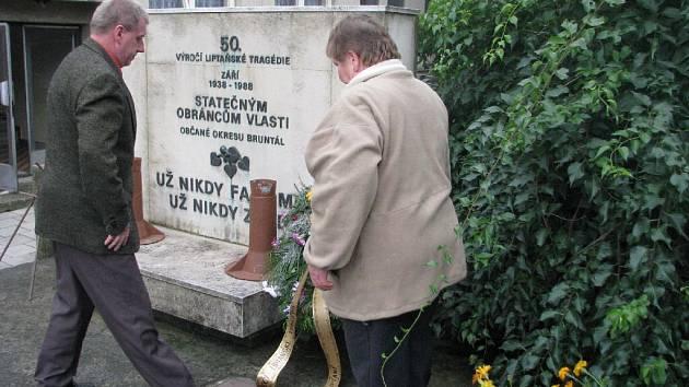 Pomník Liptaňské tragédie. Ilustrační foto.