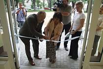 Krnovská starostka při slavnostním otevření nádstavby školy na Janáčkově náměstí.