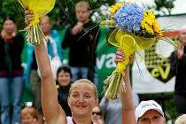 Z vítězství se radovaly hráčky Lenka Háječková a Hanka Klapalová.
