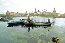 Solovecké ostrovy dobře zná cestovatel a fotograf Ivo Dokoupil, který zde dělá průvodce turistům.