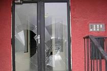 Následky jednoho z nejhorších řádění vandalů v Bruntále za poslední dobu.