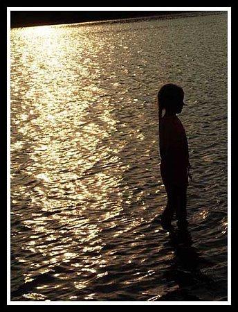 Západ slunce nafotila žákyně 2.B Karolína Kotulková vLuhačovicích. Porotě se snímek líbil tak, že ho vyhlásila vítězem školní soutěže Onejlepší foto zprázdnin.