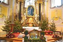 Poutní kostel na Cvilíně má o víkendech otevřeno pro všechny návštěvníky. Kromě věřících si oblíbili tuto památku také turisté. Dodnes je zde jako vzpomínka na Vánoce vystaven betlém.