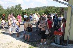 Slavnostní předání nového vodního zdroje v Janově.