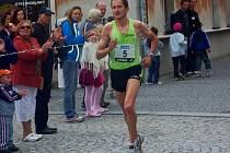 Polský běžec Henryk Szost si doběhl pro vytoužené vítězství.