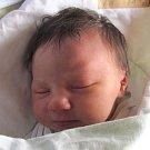 Jmenuji se JULIE KOPKOVÁ, narodila jsem se 8. listopadu, při narození jsem vážila 3500 gramů. Moje maminka se jmenuje Ilona Odstrčilová a můj tatínek se jmenuje Josef Kopka. Bydlíme v Bruntále.