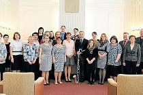 U příležitosti Dne učitelů byli v obřadní síni krnovské radnice oceněni pedagogogové, kteří mohou jít ostatním příkladem.